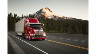 Western Star unveils 5700XE fuel efficient on-highway truck