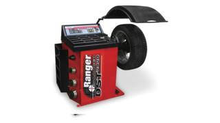DST2420 wheel balancer