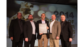 Mack names Vanguard Truck Center of Phoenix its 2014 North American Dealer of the Year