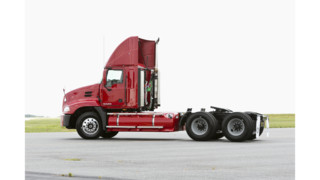 Natural gas-powered Mack Pinnacle models equipped with Eaton UltraShift PLUS and Bendix Wingman Advanced