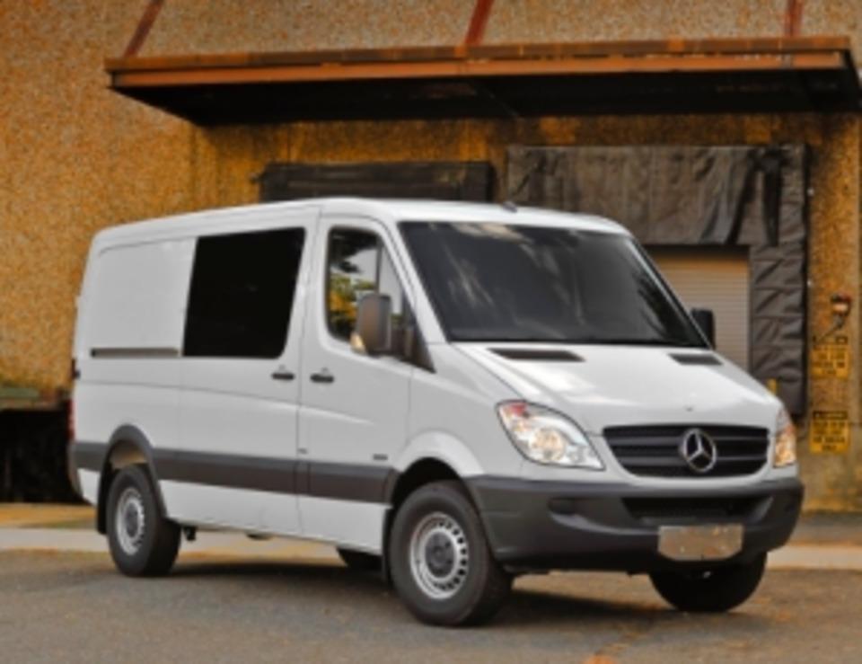c34b69f403 Daimler Vans USA launches Sprinter Crew Van