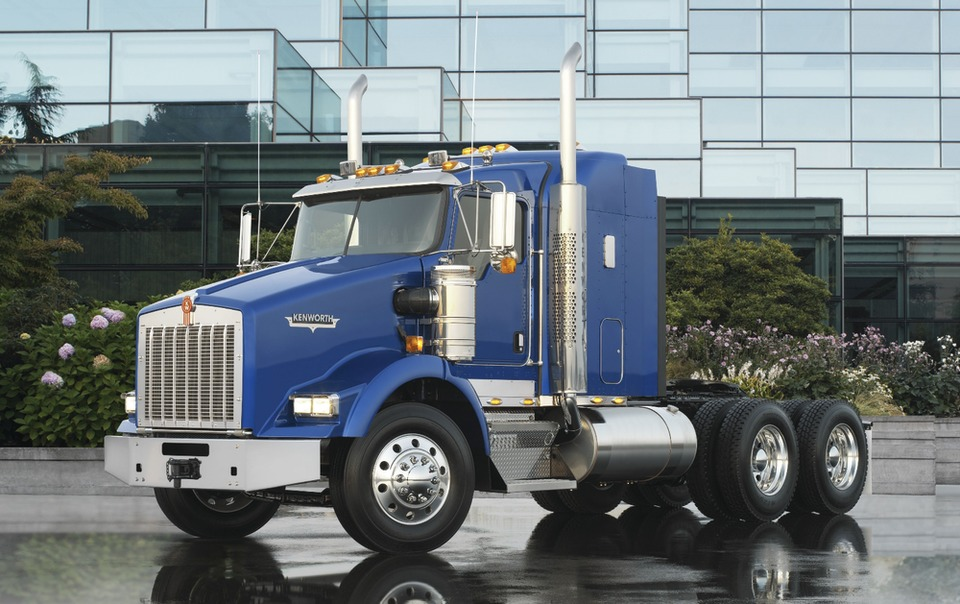Kenworth T800 adds Bendix Wingman with ACB System as option