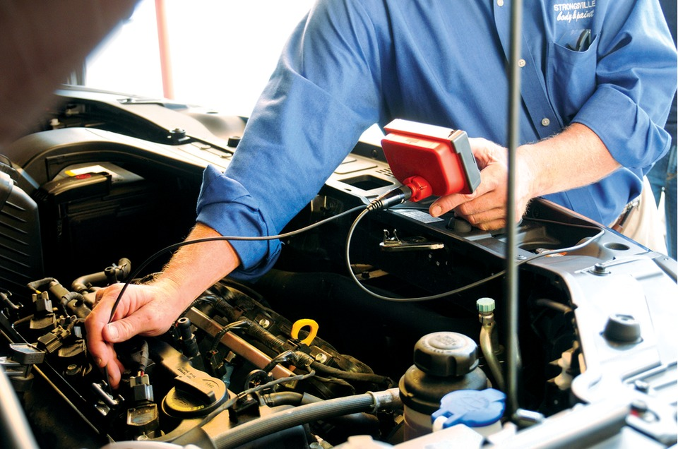 Tools and equipment used to diagnose internal engine noise by sound