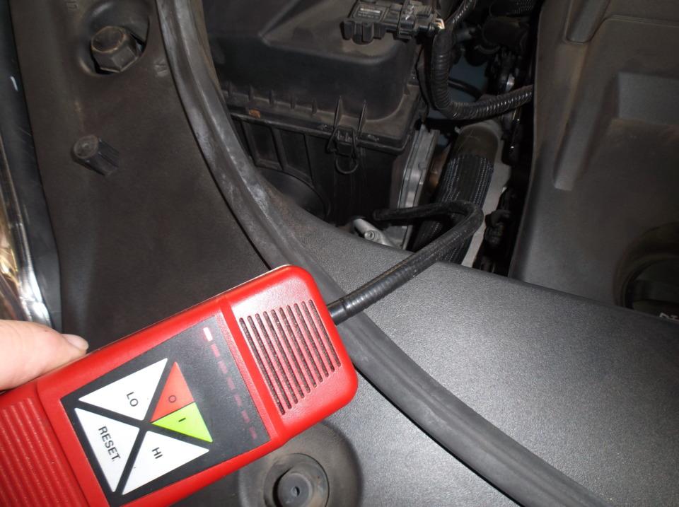 Detecting a passive A/C system leak
