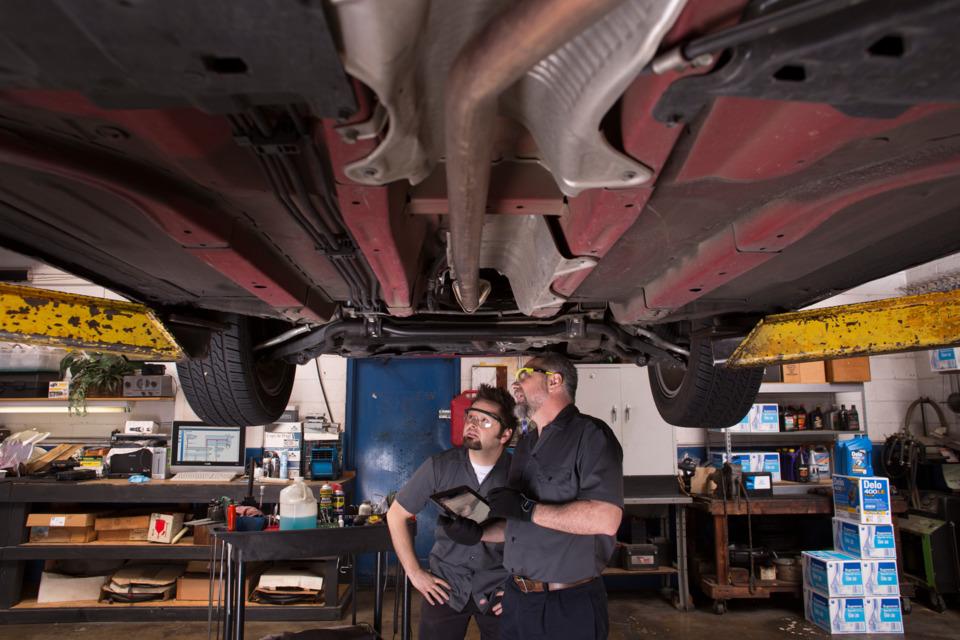 online automotive diagnostic & repair information