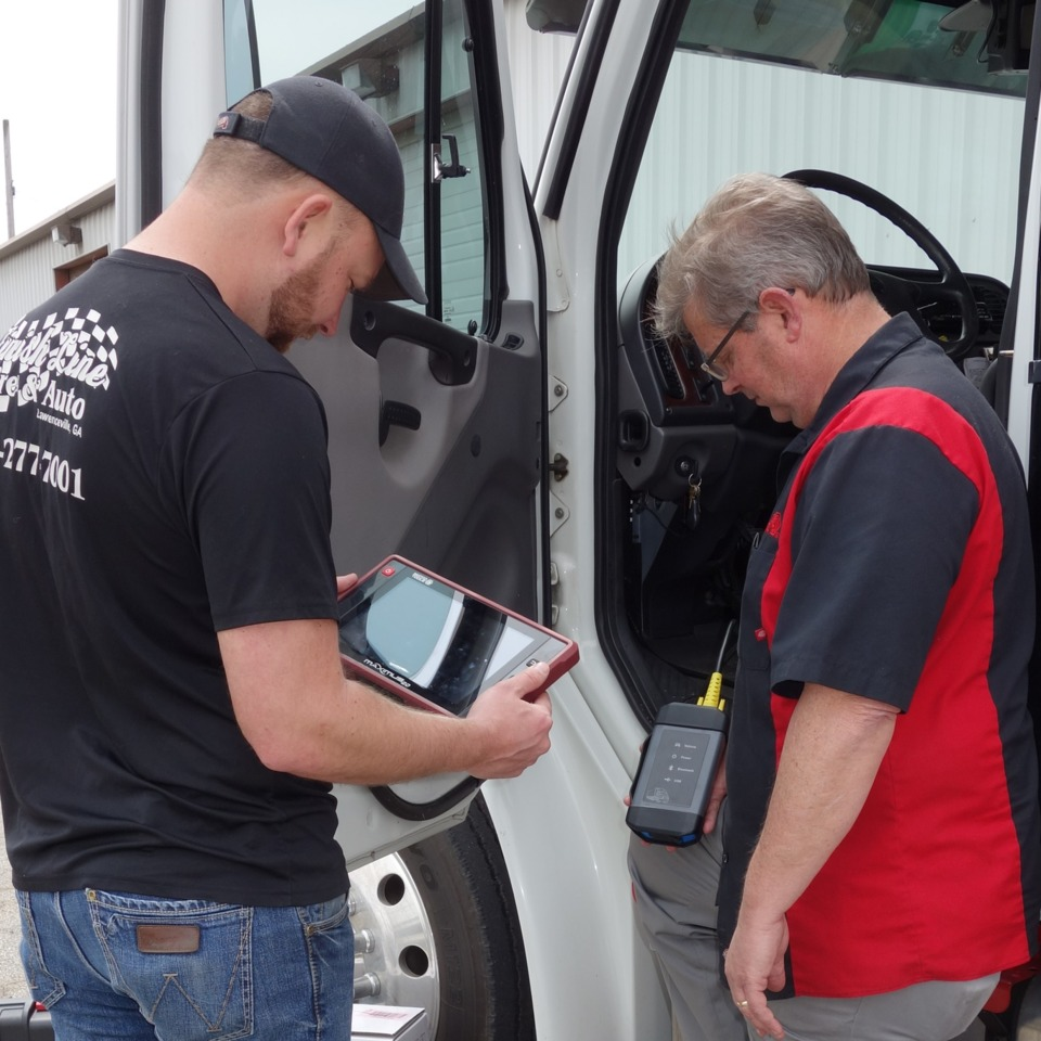 What Do Truck Shops Look For In A Scan Tool 9 Pin Deutch Connector On Semi Trucks Credit Vasil Vasilev