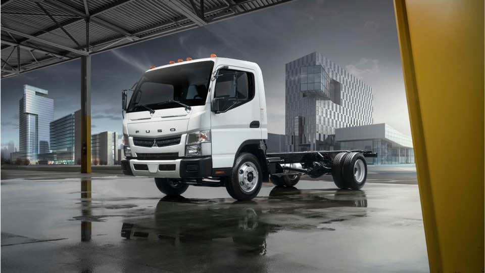 Fuso Shows All Electric And New Gas Powered Fe Trucks At Nacv