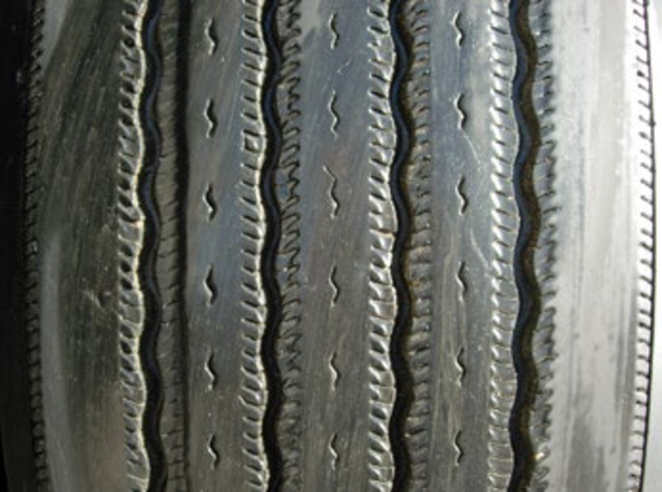 How To Rotate Tires >> Image examples of commercial truck tire wear by type