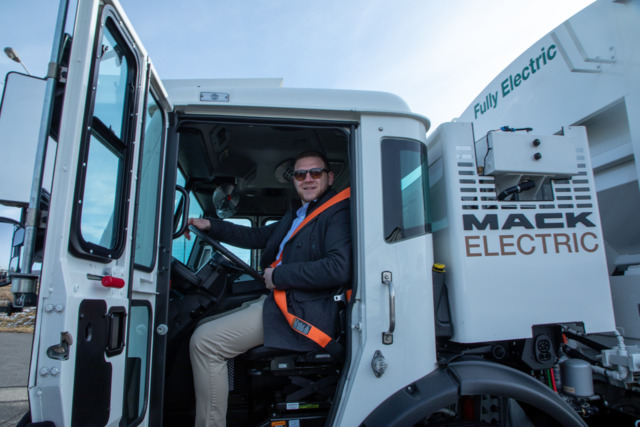 Mack Electric LR10