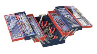 In Focus: Genius Tools' 190-pc. Metric and SAE Mechanics tool set