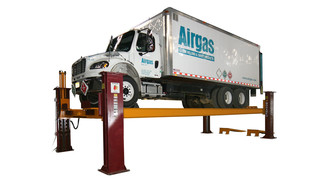TR-30 four-post auto and truck lift