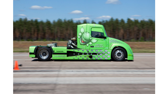 volvo_meangreen_speedtrack_10709203.psd