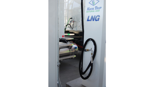 KwikTrip_LNGfuelingstation.JPG
