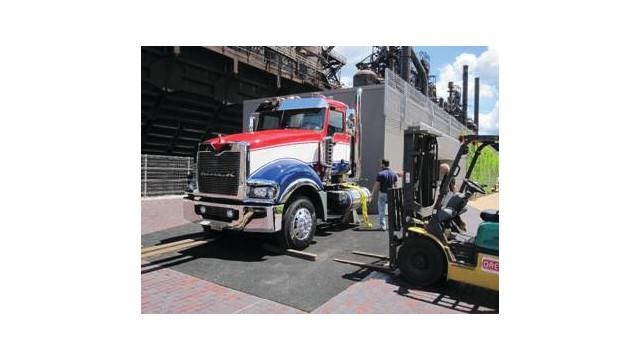 mack---truck-stop_10731900.psd