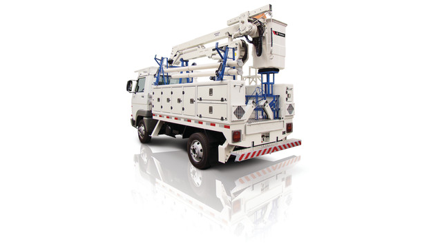 terex-hot-line-equipped-truck_10739947.psd