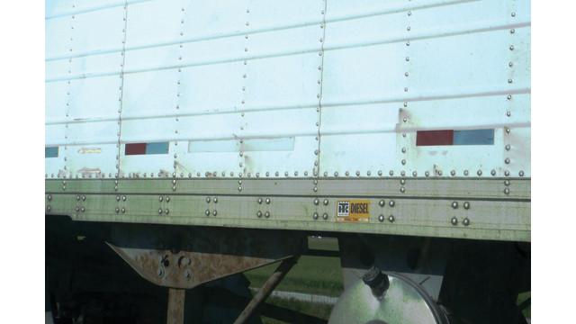 corrosion-at-rivet-line---waba_10742325.psd