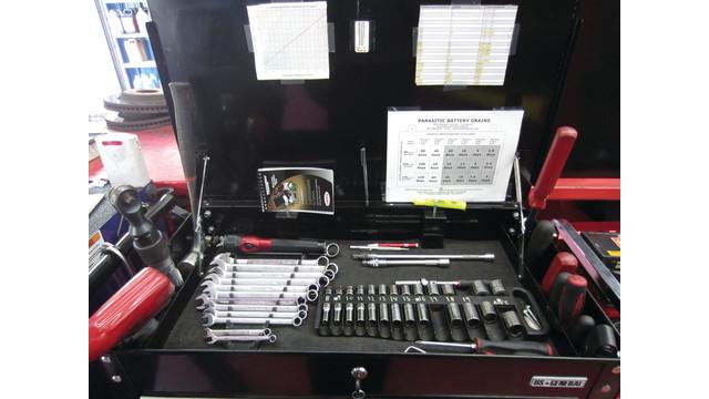 torque-spec-on-cart_10810882.psd