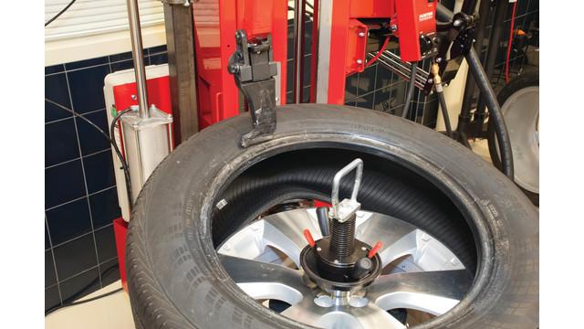 new-school-way-to-do-a-tire-bo_10826950.psd