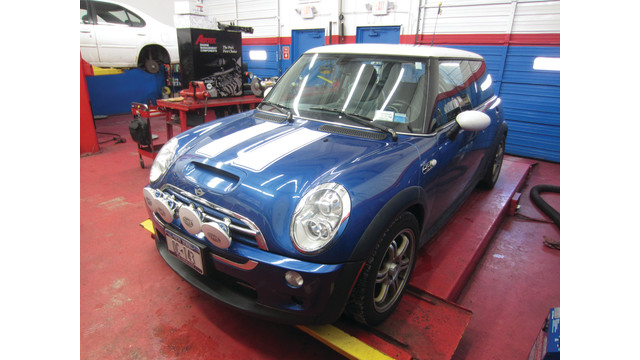 another-angle-of-mini-cooper_10858549.psd