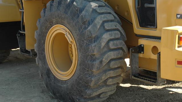 earthmover-tire.jpg