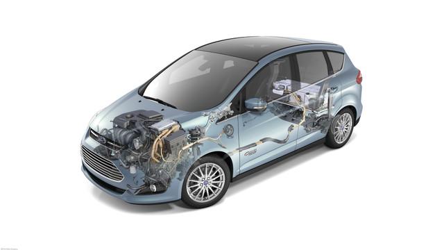 ford-13cmax-energi-hero-cutawa_10987166.psd