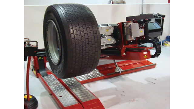 aug-13-tires---servicing-wide-_10981424.psd