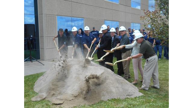 Detroit-Reman---shoveling.jpg