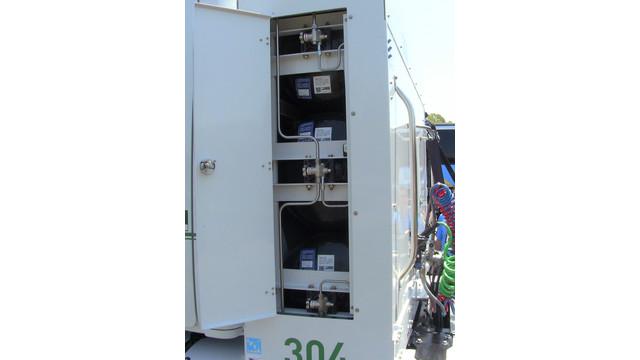 DTNA-NG-blog-2---fueling---2---behind-cab.jpg