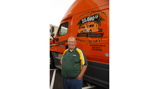 Freightliner truck executives celebrate 15-year relationship; personally deliver 25,000th truck to Schneider National