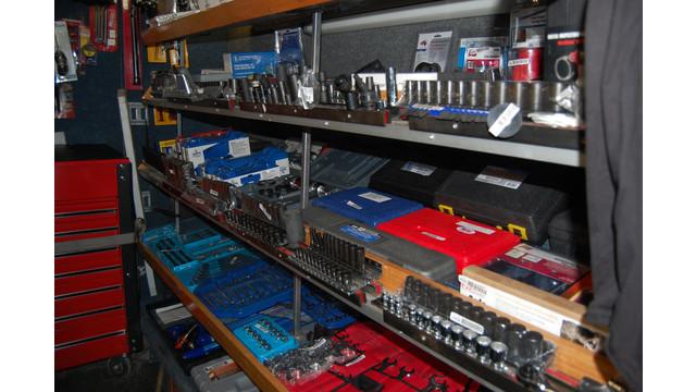 sutfin-truck-shelves2_11303104.psd