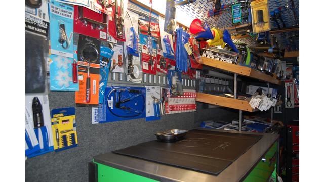 sutfin-truck-shelves3_11303107.psd