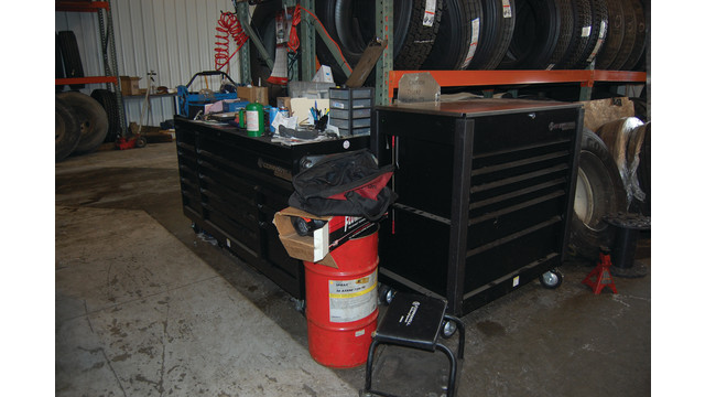 sutfin-tireshop-toolboxes3_11303094.psd