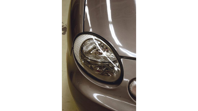 headlightlensrestorationsystem_10129859.psd
