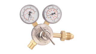 Series 30 line medium-duty regulators and flow meter regulators