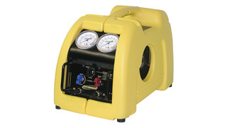 Stinger refrigerant evacuation unit