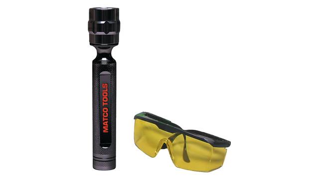 tpaclitecordlessleakdetectionlightwithglasses_10099037.eps